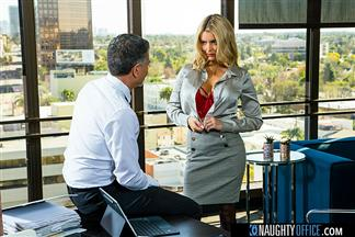 (WEST) Naughty Office – Linzee Ryder pulls all the strings and gives the boss her juicy wet pussy to get more hours